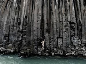2-22-Stuðlagil-(6)Le-désir-de-verticalité